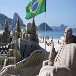 A sand statue of Pope Francis at Copacabana beach in Rio de Janeiro Brazil Information, Country Information, Brazil Country, Living In Brazil, Copacabana Beach, South American Countries, Countries Around The World, Largest Countries, Tour Operator