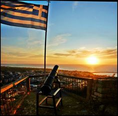 Panoramio - Photo of Bombing the SUN - SUNSET from the Castle of Kiparissia - Peloponnes - Greece