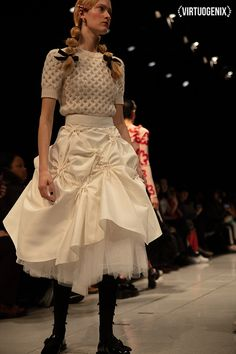 Tokyo Fashion, India Fashion, Daily Fashion, Street Fashion, Hijab Fashion Inspiration, Style Inspiration, Bride And Prejudice, Tulle Skirt Tutorial, Kendall Jenner Outfits