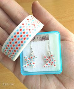 Washi tape earrings. http://spirituafin.blogspot.se/p/productos_2.html
