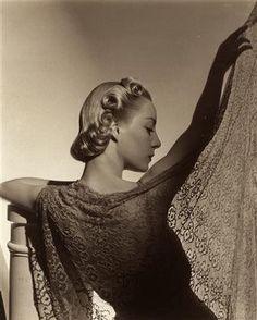 Ŧhe ₵oincidental Ðandy: Horst P. Horst: The Architecture of Century Glamour Palm Beach, Vintage Photography, Portrait Photography, Fashion Photography, Famous Photography, White Photography, Vivian Maier, Vintage Beauty, Vintage Fashion