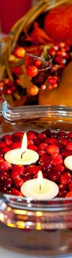 floating cranberries and tea lights. Christmas Cooking, Family Christmas, Christmas Holidays, Christmas Wreaths, Christmas Crafts, Christmas Ideas, Merry Christmas, Xmas, Christmas Eve Traditions