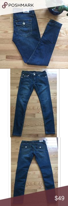 "True Religion Billy Skinny Jeans Size 30 Great skinny jeans by True Religion. Featuring large stitching, these jeans are 98% cotton and 2% spandex. A size 30 (size 10), they measure 16"" across the waist ; 8.5"" rise; 31"" inseam. EUC True Religion Jeans Skinny"