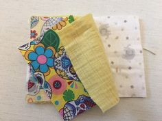 How To Make Unsponges - Zero Waste Dish Scrubbers are a great upcycling way to use fabric scraps & stop using plastic sponges. Here's how to make yours. Upcycled Crafts, Diy And Crafts, Arts And Crafts, Kids Crafts, Cotton Quilting Fabric, Fabric Scraps, Skull Fabric, How To Make Clothes, Zero Waste