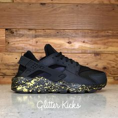 nike huarache gold and black