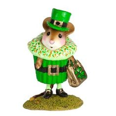 """Have you collected all the cupcakes? This one is so cute with his top hat, lucky clover on his treat bag and gold """"coins"""" at his feet!    1.5"""" x 1"""""""