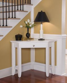 Merveilleux White Coner Table Small Corner Table, Corner House, Corner Office, Small  Tables,