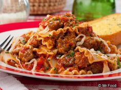 Quick Lasagna Toss - Cut down the time it takes to cook up your favorite lasagna recipe with this quick 'n' easy skillet dinner.