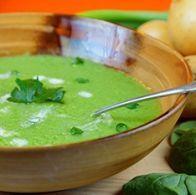 Receita: Sopa de batatas e espinafres - SAPO Sabores