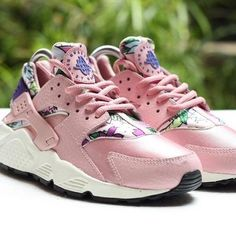 Nike Air Huarache - Pink - Floral - SneakerNews.com