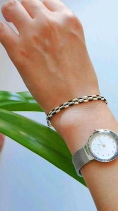 Handmade Beaded Jewelry, Handmade Bracelets, Beaded Bracelet Patterns, Beaded Bracelets, Diy Rings, Bracelet Crafts, Seed Bead Jewelry, Beading Projects, Bead Weaving
