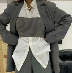 Aesthetic Fashion, Look Fashion, Aesthetic Clothes, Korean Fashion, Fashion Design, Fashion Trends, Muslim Fashion, Steampunk Fashion, Gothic Fashion
