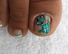 Pedicure Designs, Toe Nail Designs, Merry Christmas Gif, Manicure And Pedicure, Toe Nails, Nail Colors, Hair Beauty, Lily, Make Up
