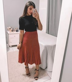 Source by church outfits Church Outfit Summer, Modest Church Outfits, Skirt Outfits Modest, Dressy Outfits, Modest Wear, Sunday Outfits, Spring Outfits, Sunday Best Outfit, Business Casual Outfits