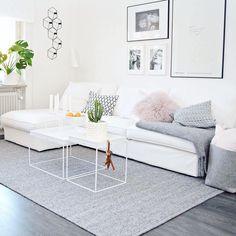 scandi syle living room idea with white sofa