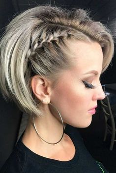 Get Yourself A Pixie Bob To Create A Truly Enviable Look Braided pixie bob braids hairstyles pictures - Bob Hairstyles Bob Braids, Braids For Short Hair, Short Hair Cuts, Braided Short Hair, Pixie Braids, Short Hairstyles With Braids, Short Hair Tricks, Short Hair With Braid, Ideas For Short Hair