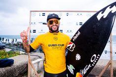Ítalo Ferreira (Foto: Divulgação)    O atual campeão mundial de surf, Ítalo Ferreira não cansa de ganhar. Desta vez, o potiguar superou os melhores surfistas da Europa e vence em primeiro lugar no Euro Cup of Surfing. A competição aconteceu na tarde desta quarta (23), em Anglet, na França. Na reta final da primeira etapa, Ítalo venceu o espanhol Andy Criere por 15.57 x 11.47 pontos.  saiba mais   Ítalo