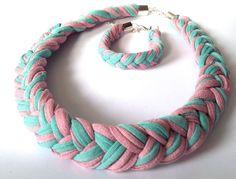 komplet biżuterii w kolorach brudnego różu i aqua cena za komplet: 45zł (+kw) byjaga@wp.pl
