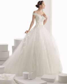 Vintage Wedding Dresses 2014 A Line Glamorous Off-The-Shoulder Ball Gown Lace Wedding Dress In Canada Wedding Dress Prices Wedding Dress Prices, Lace Wedding Dress, Gorgeous Wedding Dress, Tulle Wedding, Mermaid Wedding, Rosa Clara Wedding Dresses, Wedding Dresses 2014, Wedding Gowns, Princess Ball Gowns