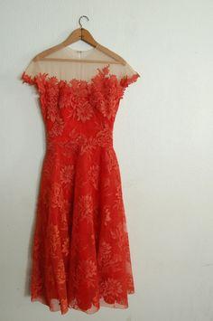 (via Vintage Peggy Hunt Spiced Orange Dress by missingpieces). Little Orange Dress! Looks Vintage, Vintage Lace, Vintage Dresses, Vintage Outfits, Vintage Fashion, 50s Vintage, Vintage Party, Pretty Outfits, Pretty Dresses