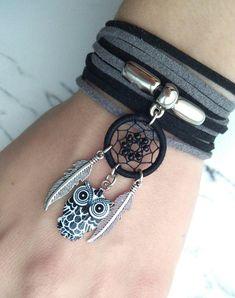 Decoration in the style of boho and hippie. Dream Catcher Bracelet, Dream Catcher Jewelry, Dream Catcher Decor, Hippie Jewelry, Beaded Jewelry, Handmade Jewelry, Skull Jewelry, Yoga Jewelry, Tribal Jewelry