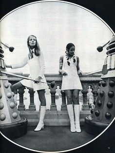 well ya gotta love the GoGo Boots,,,,so remember those. 60s And 70s Fashion, 60 Fashion, Retro Fashion, Vintage Fashion, Womens Fashion, Fashion Outfits, Fashion Trends, Miss Sixty, Twiggy