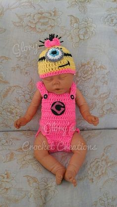 Crochet Baby Girl Ravelry: Glory's easy baby overall pattern by Gloria Delgado - New born overal ils adjustable on the diaper straps. Crochet Baby Props, Crochet Photo Props, Crochet Bebe, Crochet Girls, Newborn Crochet, Crochet For Kids, Crochet Yarn, Baby Doll Clothes, Crochet Baby Clothes