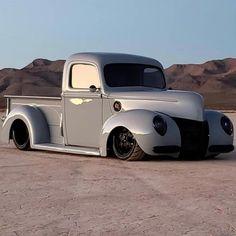 chevy classic cars #Classictrucks Jeep Pickup Truck, Custom Pickup Trucks, Truck Drivers, Pickup Camper, Cool Trucks, Big Trucks, Lifted Trucks, Dually Trucks, Lifted Ford