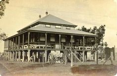 The RSL Club at the corner of Knuckey and Smith Streets, Darwin in the Northern Territory (year unknown). Darwin Nt, Australian Continent, Largest Countries, Small Island, Tasmania, Continents, Gazebo, Corner, Outdoor Structures