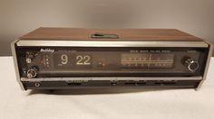 Wedge Model A4116 Am Fm Clock Radio Usb Sd Card Cd
