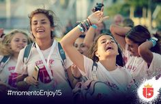 #momentoEnjoy15  Recorrer los parques cantando con tus amigas