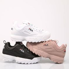 💥FILA DISRUPTOR💥 Available in specialized stores sneakers of the group . Trendy Shoes, Cute Shoes, Me Too Shoes, Shoe Boots, Shoes Heels, Shoe Bag, Basket Fila, Sneakers Fashion, Fashion Shoes