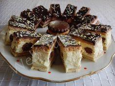 Pöttyös mézes Hungarian Desserts, French Toast, Baking, Breakfast, Food, Kitchens, Cookies, Morning Coffee, Bakken