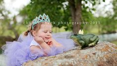 need to borrow a lil girl for this....Princess and the frog -themed photo shoot
