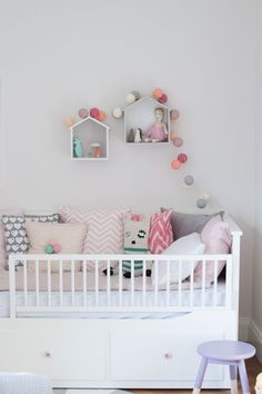 I wanted to show it to you for a long time, but somehow Christmas came in between. I pimped her Ikea Hemnes Daybed a bit and. Ikea Hemnes Daybed, Hemnes Day Bed, Ikea Baby Bed, Ikea Bed, Toddler Rooms, Toddler Bed, Baby Zimmer Ikea, Kids Daybed, Nursery Daybed