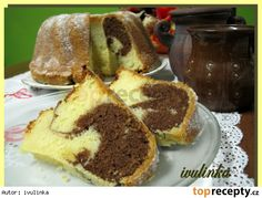 Moc sladká, testo na větší babovkovou formu Sweet Desserts, Sweet Recipes, Czech Recipes, Ethnic Recipes, Bulgarian Recipes, Bunt Cakes, Tiramisu, Sweet Tooth, French Toast