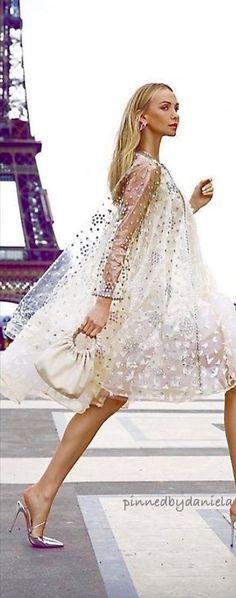 My Little Paris, Paris Girl, Floral Fashion, New Theme, Fashion Images, Floral Arrangements, Cool Style, Floral Prints, Take That