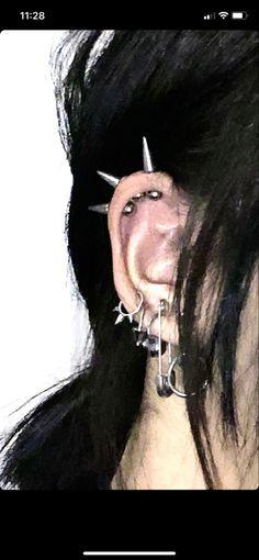 Jewelry Tattoo, Ear Jewelry, Cute Jewelry, Pretty Ear Piercings, Face Piercings, Accesorios Casual, Piercing Tattoo, Body Mods, Punk Fashion