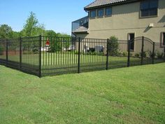 Decorative aluminum fences have grown in popularity over the last 10 years – faster than any other type of fencing on the market today. Cutting-edge technology in the area of extrusion and powder coating have virtually made the old wrought iron fence of your grandparents' day obsolete. Front Yard Fence, Fence Gate, Fenced In Yard, Horse Fence, Fence Panels, Fence Landscaping, Backyard Fences, Garden Fencing, Pool Fence