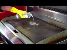Griddle Master Video - How to Clean a Griddle Top Blackstone Griddle Alternative Stove Top Griddle, Flat Top Griddle, Griddle Grill, Cast Iron Griddle, Outdoor Griddle Recipes, Hibachi Grill, Bbq Grill, Blackstone Grill, Dirty Kitchen