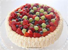 DIY. Norwegian spong cake.Whiped cream, fruit and berries / Tradisjonell bløtkake