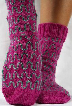 Ravelry: AlohaBlu's Squiggle Socks