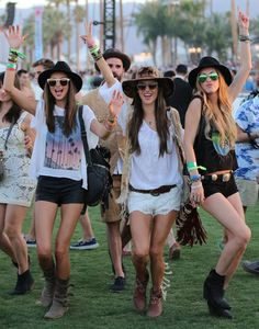 If you're wondering what to wear to a music festival, these cute boho outfits are perfect for Coachella, Bonaroo, EDM or other music festivals! Festival Looks, Festival Style, Coachella Festival, Festival Outfits, Festival Fashion, Coachella Style, Coachella 2013, Coachella Valley, Coachella California