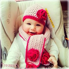 Trendy Hat Winter Crochet Repeat Crafter Me Ideas Crochet Buttons, Crochet Stitches, Crochet Patterns, Repeat Crafter Me, Hat Organization, Diy Hat, Baby Hands, Mittens Pattern, Girl With Hat