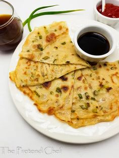 Spring Onion Pancake (Scallion/Green Onion) - The Pretend Chef Chef Recipes, Food Network Recipes, Shawarma Spices, Sweet Chilli Sauce, Nigerian Food, Fusion Food, Quick And Easy Breakfast, Ethnic Food, Thanksgiving Food