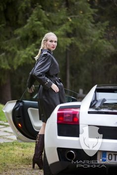 Mariela Pokka - if you want to be unique - Mariela Pokka - luxury fashion made of reindeer leather Leather Leggings, Leather Skirts, Leather Trench Coat, Leather Fashion, Luxury Fashion, Women's Fashion, Reindeer, Baby Strollers, Lady
