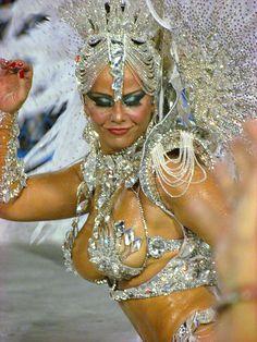 Viviane Araújo Salgueiro Rainha Carnaval 2013 Desfile Sambódromo Rio de Janeiro Carnival Carioca Brazil Brasil samba Marquês de Sapucaí