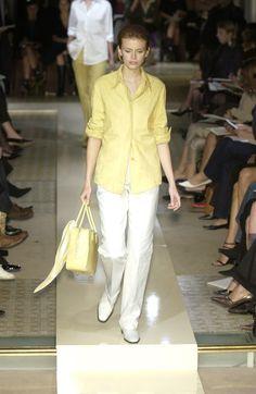 Hermès at Paris Fashion Week Spring 2002 - Runway Photos