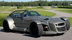 Dutch manufacturer Donkervoort puts an aggressive spin on the old Lotus Seven design to deliver a car that can put many super cars to shame. XCAR checks it out.
