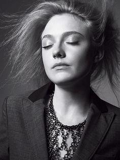 DAKOTA FANNING MARIE CLAIRE PHOTOS   Dakota Fanning in August 2010′s Marie Claire magazine 6